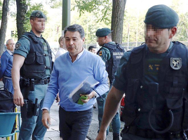 El ex presidente de la Comunidad de Madrid, Ignacio González, llega...