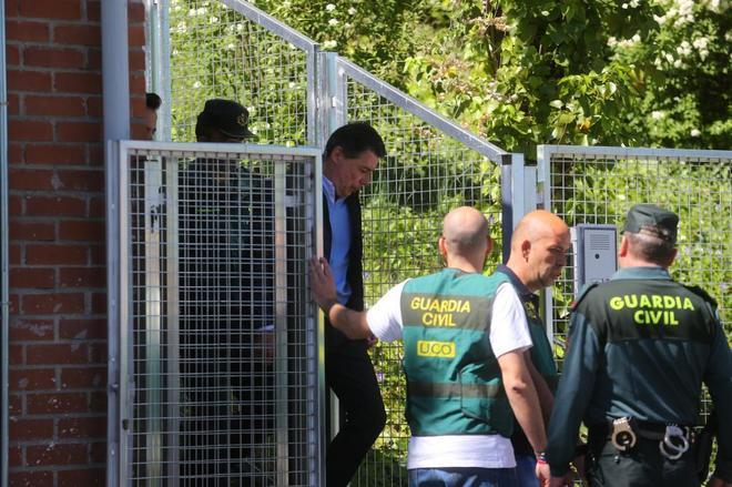 Ignacio González es trasladado el mes pasado desde la Comandancia...