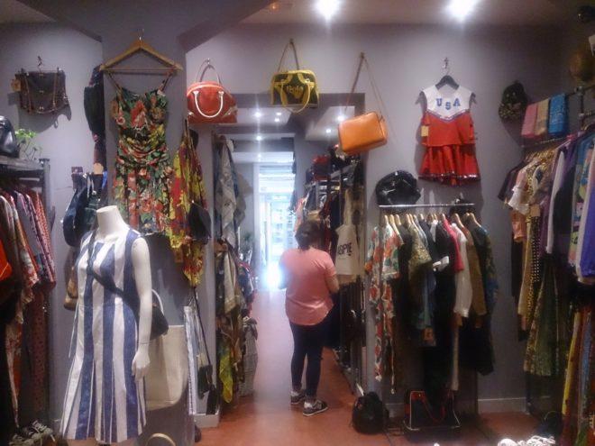 1abe1cb926a0 Referente en Malasaña. La tienda de Olaia Salgueiro ofrece moda retro