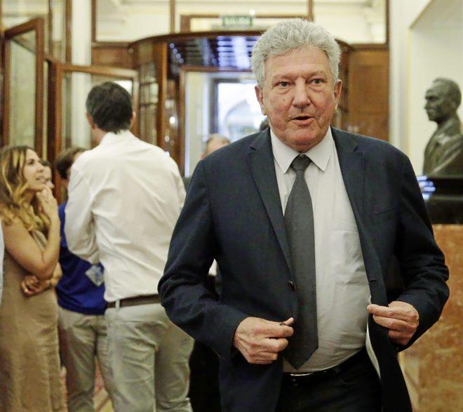 El diputado de Nueva Canarias, Pedro Quevedo, a su llegada este martes...