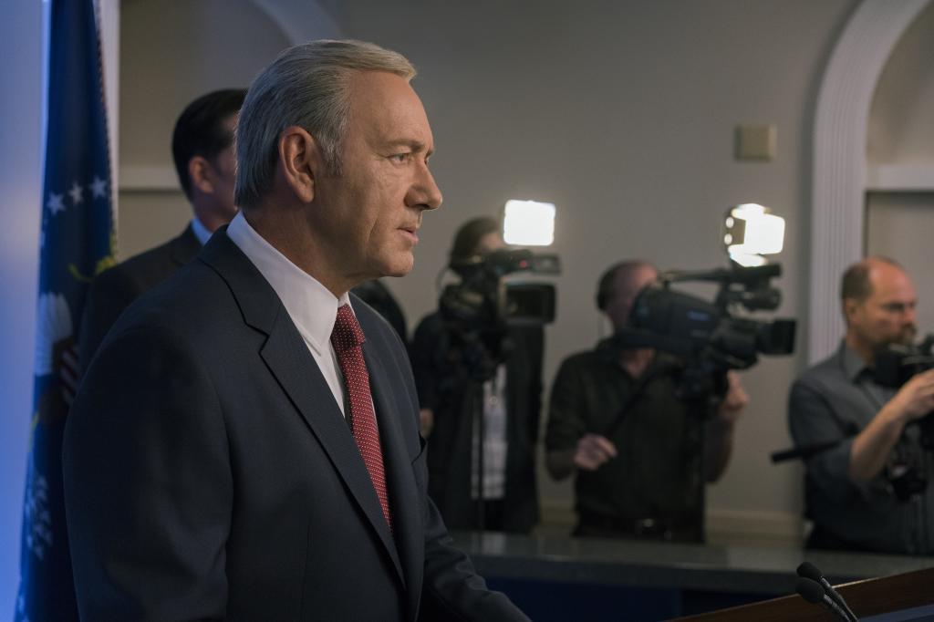 Kevin Spacey, en el papel de Frank Underwood en una escena de la quinta temporada de 'House of Cards'.