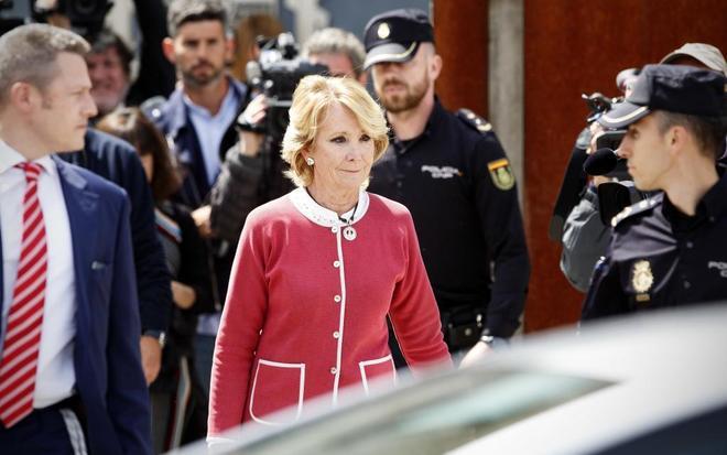 Esperanza Aguirre sale de declarar de la Audiencia de San Fernando el...