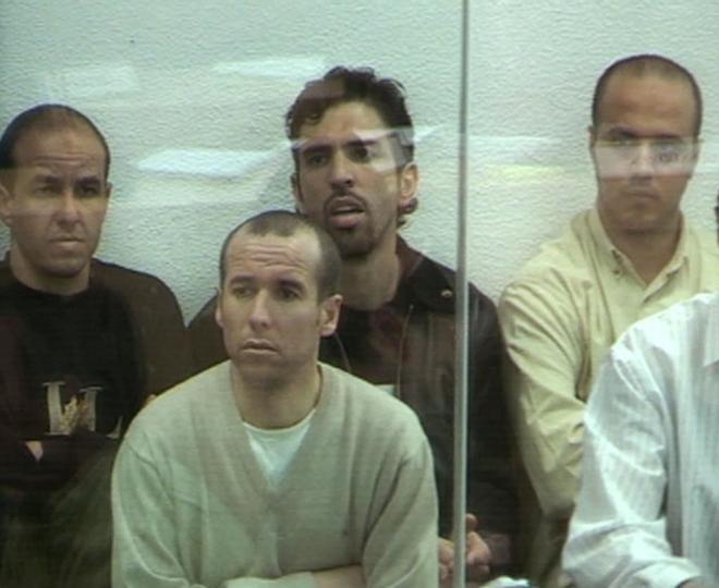 Abdelilah Fadual El Akil, en primer término, durante el juicio por...