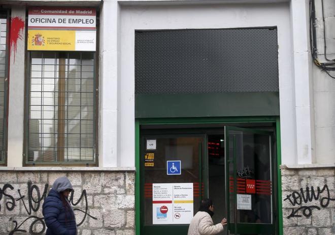 El paro baja en mayo en personas y se crean 223 for Oficina de empleo comunidad de madrid
