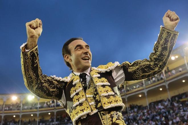 Enrique Ponce abre su cuarta puerta grande en Madrid