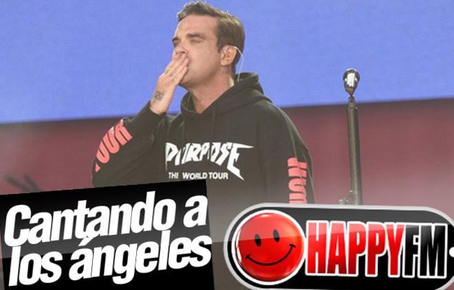 Robbie Williams Canta a Todos los 'Ángeles' en el Concierto Homenaje de Manchester