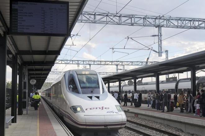 Tren de AVE en León.