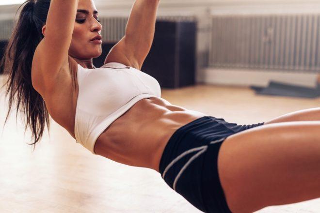 Operación bikini: Los ejercicios de abdominales que sí te ayudarán a lucir  un vientre plano   EL MUNDO