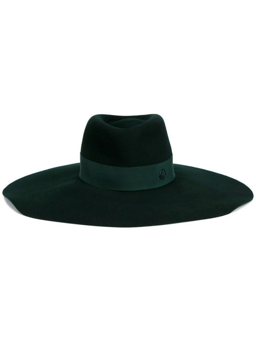 De fieltro con banda verde (599 euros)