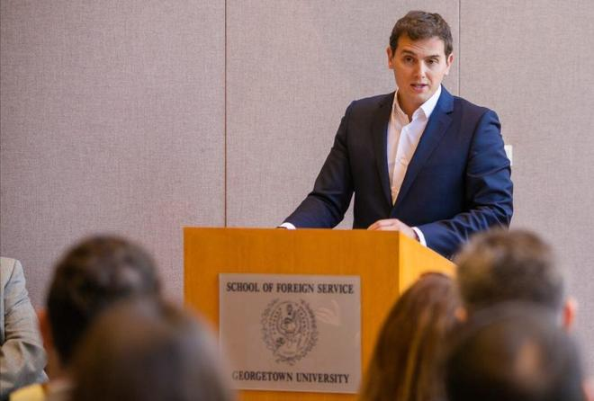 Albert Rivera, durante su conferencia en la Universidad de Georgetown,...