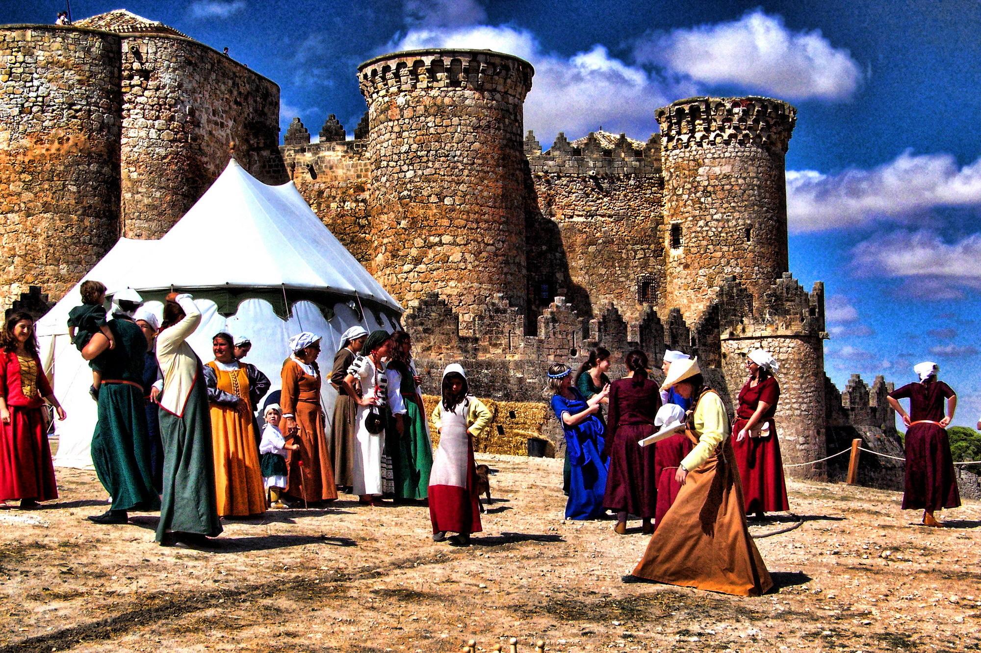 Poblado medieval a los pies del Castillo.