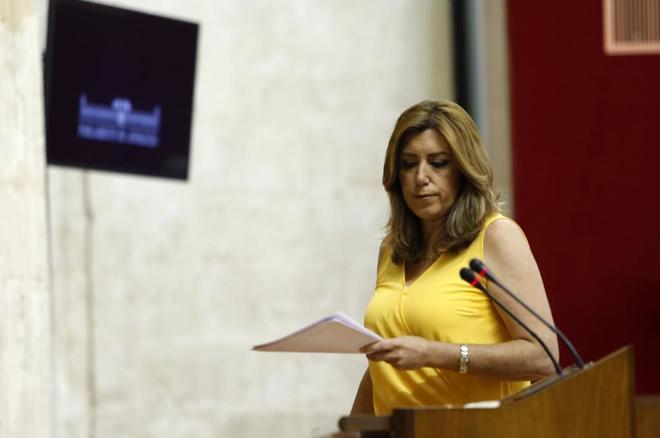Susana Díaz comparece, ayer, en el Parlamento Andaluz.
