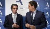 José María Aznar y Albert Rivera, en el acto de clausura del...