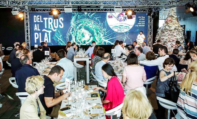 Un momento de la presentación, anoche, de «Del Tros al Plat», la iniciativa liderada por la Diputación para fomentar el turismo gastronómico.