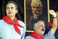 Rodríguez Zapatero y Fernández Villa, en la fiesta minera de Rodiezmo en 2000, pocas semanas después de la elección del primero como líder del PSOE.