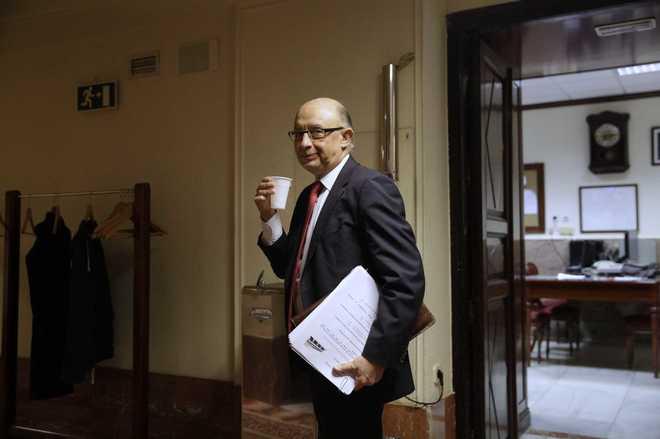 Cristóbal Montoro tras el Pleno de votación de los Presupuestos, el...