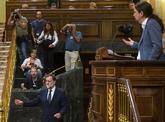 Pablo Iglesias durante su intervención en el Congreso, con Mariano...