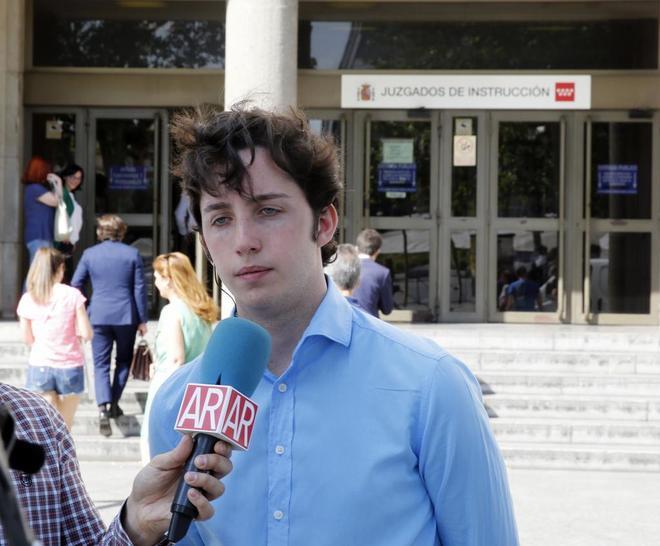 El 'pequeño Nicolás', a su salida de los juzgados de Plaza de Castilla.
