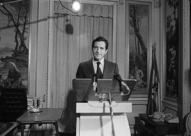 Súarez, grabando su célebre mensaje de cierre de campaña en 1977.
