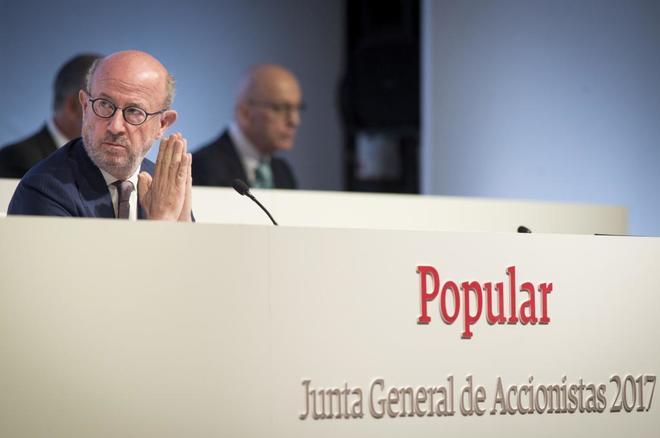 El presidente del Banco Popular, Emilio Saracho, durante su primera junta de accionistas.