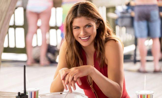 Alexandra Daddario es Summer Quien en 'Baywatch: los vigilantes de la...