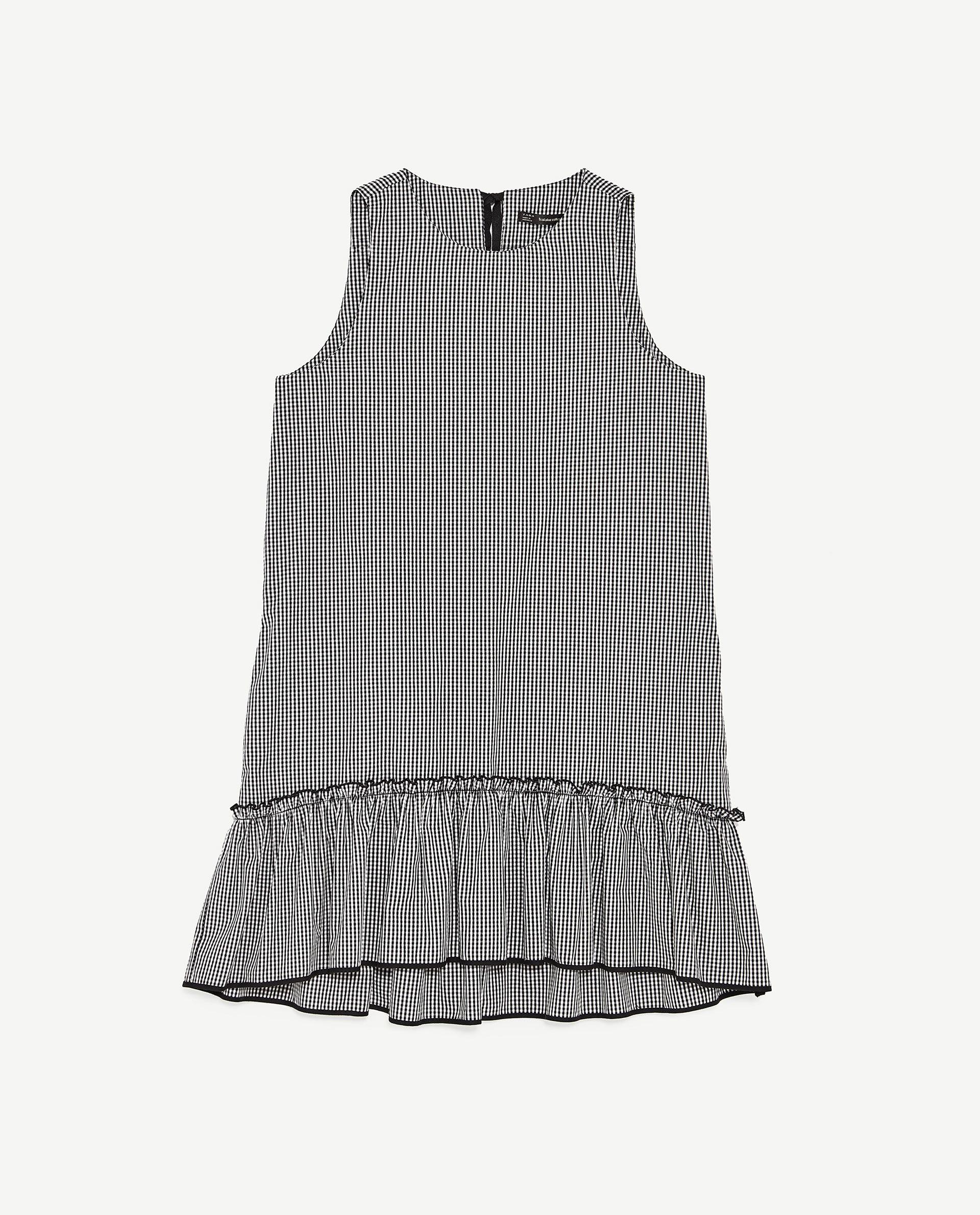 VESTIDO. De Zara. 25,95 euros