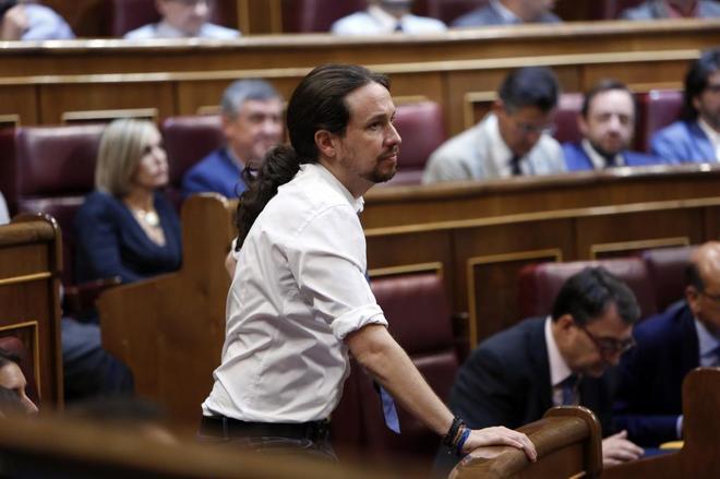 Pablo Iglesias, el miércoles, durante el debate de la moción de...