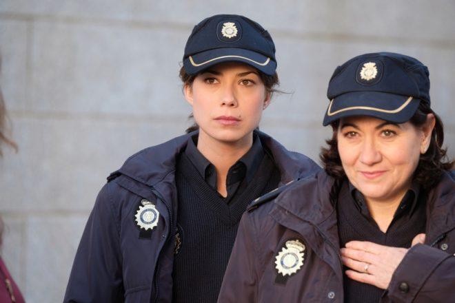 Las actrices Andrea del Río y Luisa Martín, en 'Servir y proteger'.