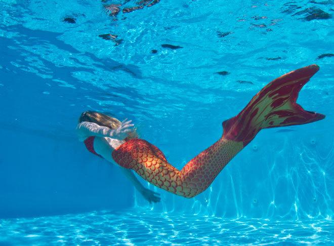 Imagen de una alumna de la Academia de Sirenas del Mediterráneo, que...