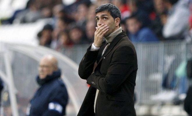 El entrenador del Levante, durante un partido de Liga.