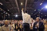 Pedro Sánchez saluda a delegados y simpatizantes en el acto de...
