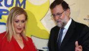 Mariano Rajoy, con Cristina Cifuentes esta mañana en Madrid.