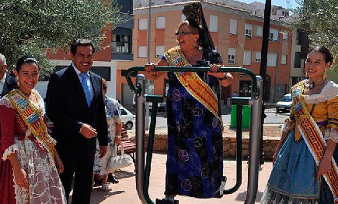Francisco Martínez, en su época de alcalde de Vall d'Alba, en un acto festivo.