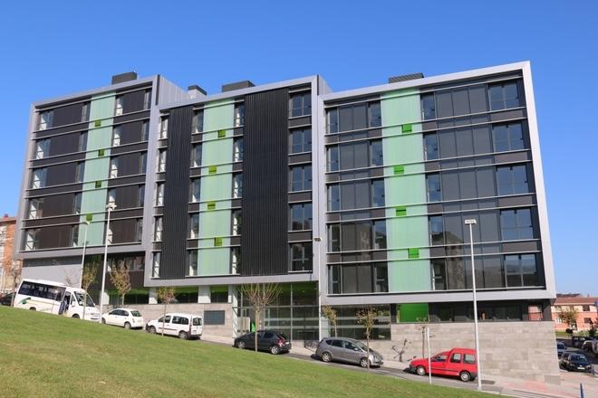 Fachadas solares lo ltimo en edificios inteligentes for Fachadas contemporaneas de edificios