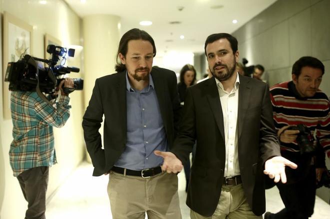 Pablo Iglesias y Alberto Garzón, en el Congreso de los Diputados.