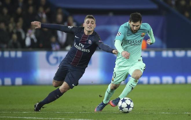 Marco Verratti y Leo Messi, durante el PSG-Barcelona de Champions del pasado mes de febrero.