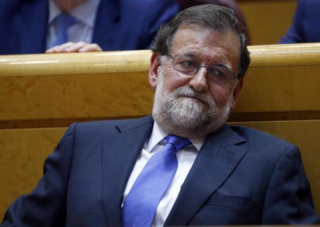 Mariano Rajoy, en su escaño del Senado.