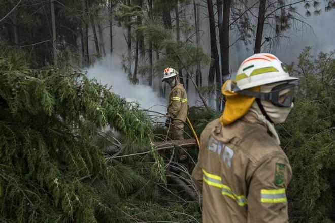 El presidente portugués pide aclarar las causas del incendio mientras Protección Civil admite fallos