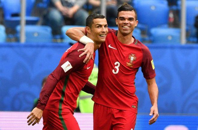 Cristiano Ronaldo celebra su gol junto a Pepe.