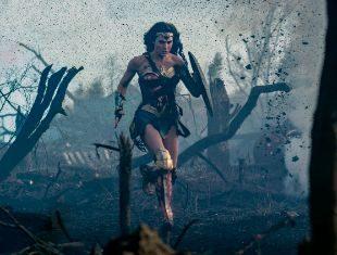 Una mujer de armas tomar. En la película, Diana (Gal Gadot) abandona...