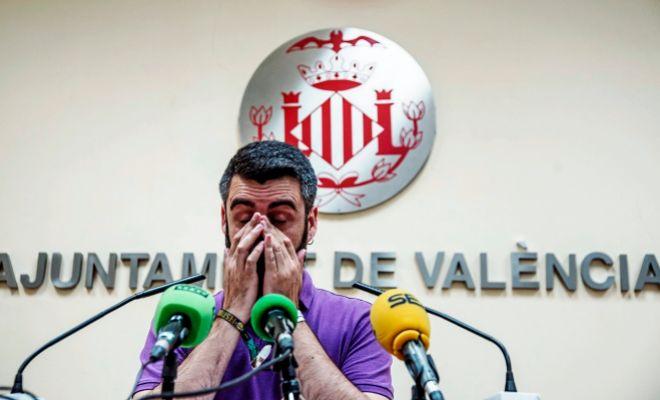 FUSET LE DECLARA LA GUERRA A LA CUPULA FALLERA EN PLENA OLEADA DE CRITICAS