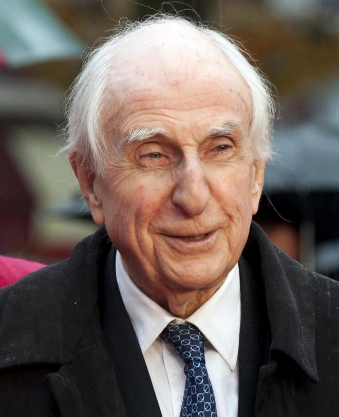 Muere a los 91 años Michael Bond, el creador del oso Paddington