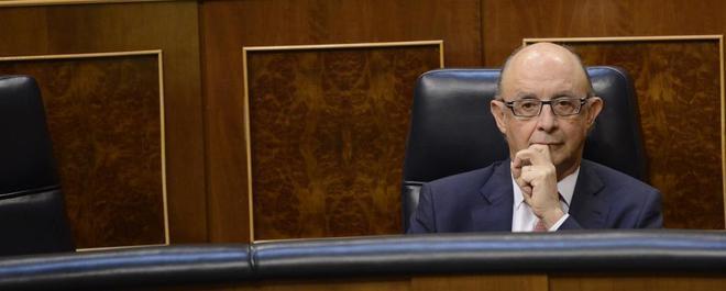 Cristóbal Montoro, esta mañana en su escaño del Congreso.