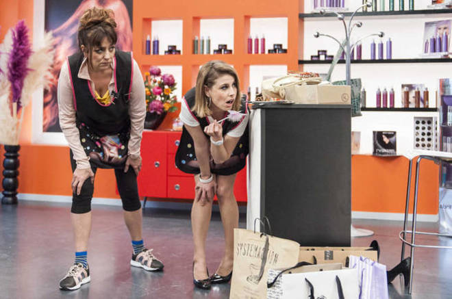 Una escena de 'La pelu', la nueva comedia de TVE.