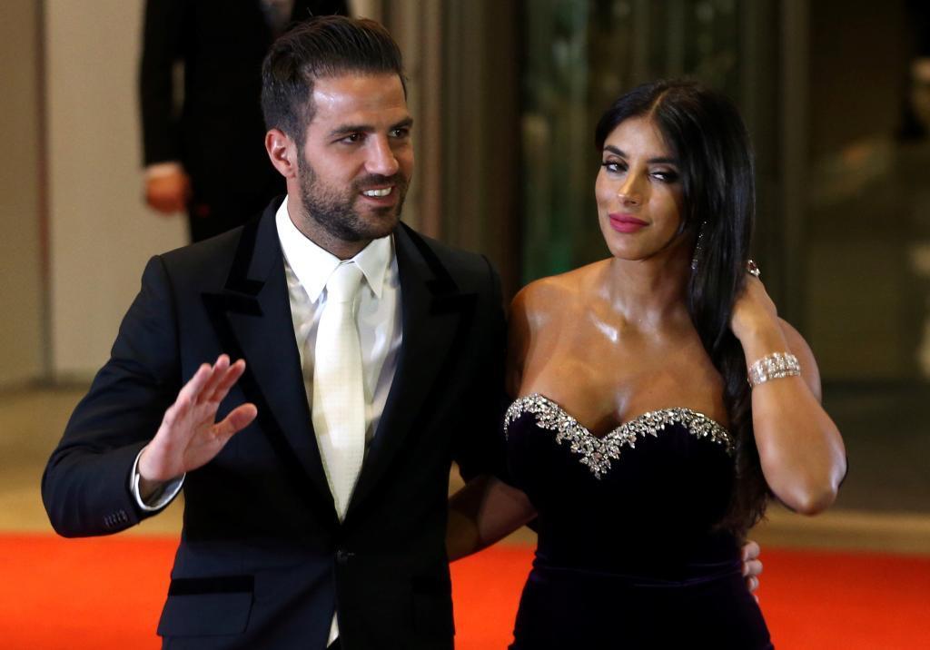 El jugador del Chelsea Cesc Fábregas y su mujer, Daniella Semaan.