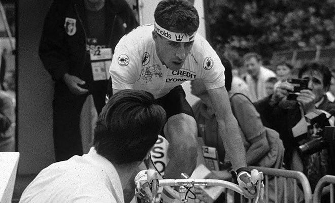 Delgado, en la salida del prólogo del Tour de 1989.