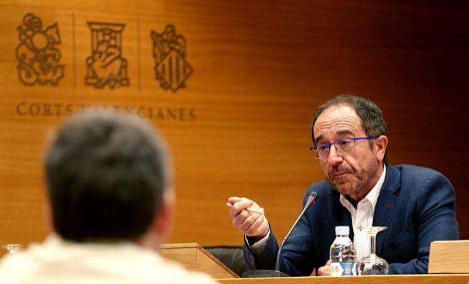 El exdiputado autonómico Andrés Perelló durante su comparecencia en la comisión de las Cortes que investiga las actividades de la empresa pública Ciegsa.
