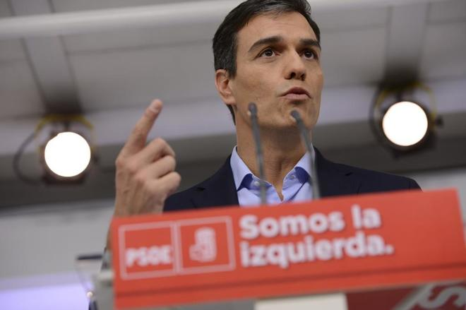 El líder del PSOE, Pedro Sánchez, en rueda de prensa tras su...
