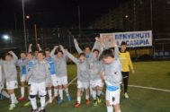 Jóvenes del Scampia, en uno de los dos campos de entrenamiento del club.