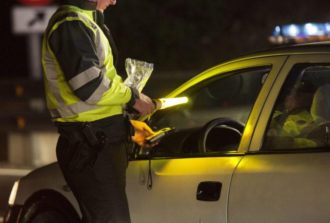 Resultado de imagen para policia y la alcoholemia